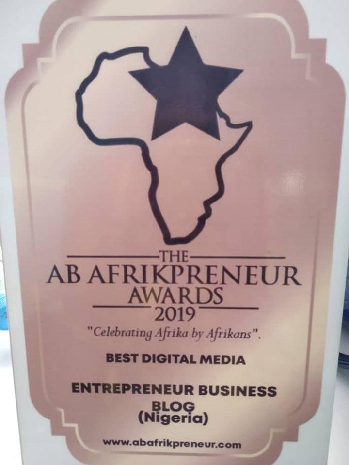 How Emenike Emmanuel won the Best Digital Media Award for his blog