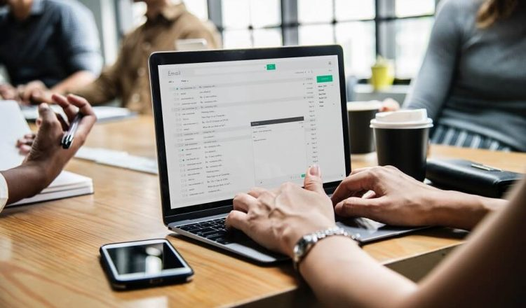 Ways to use artificial intelligence to create subject line, automate content and personalize messages in email marketing like Email CopyDyno