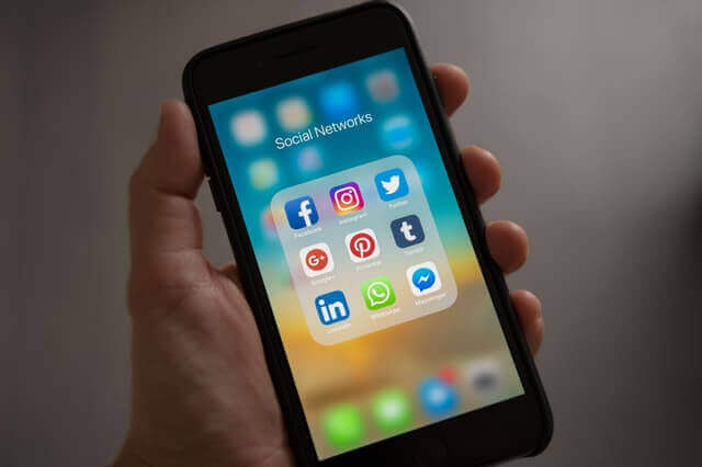 How to take advantage of social media when you want to hire great employees